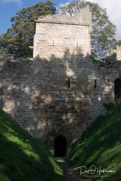 pickering_castle_03